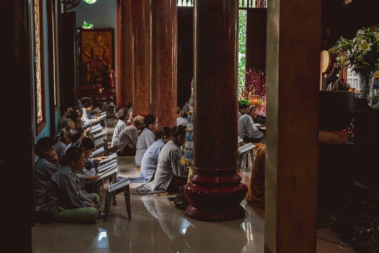 Eine Meditations-Runde bei einem Wellness-Event