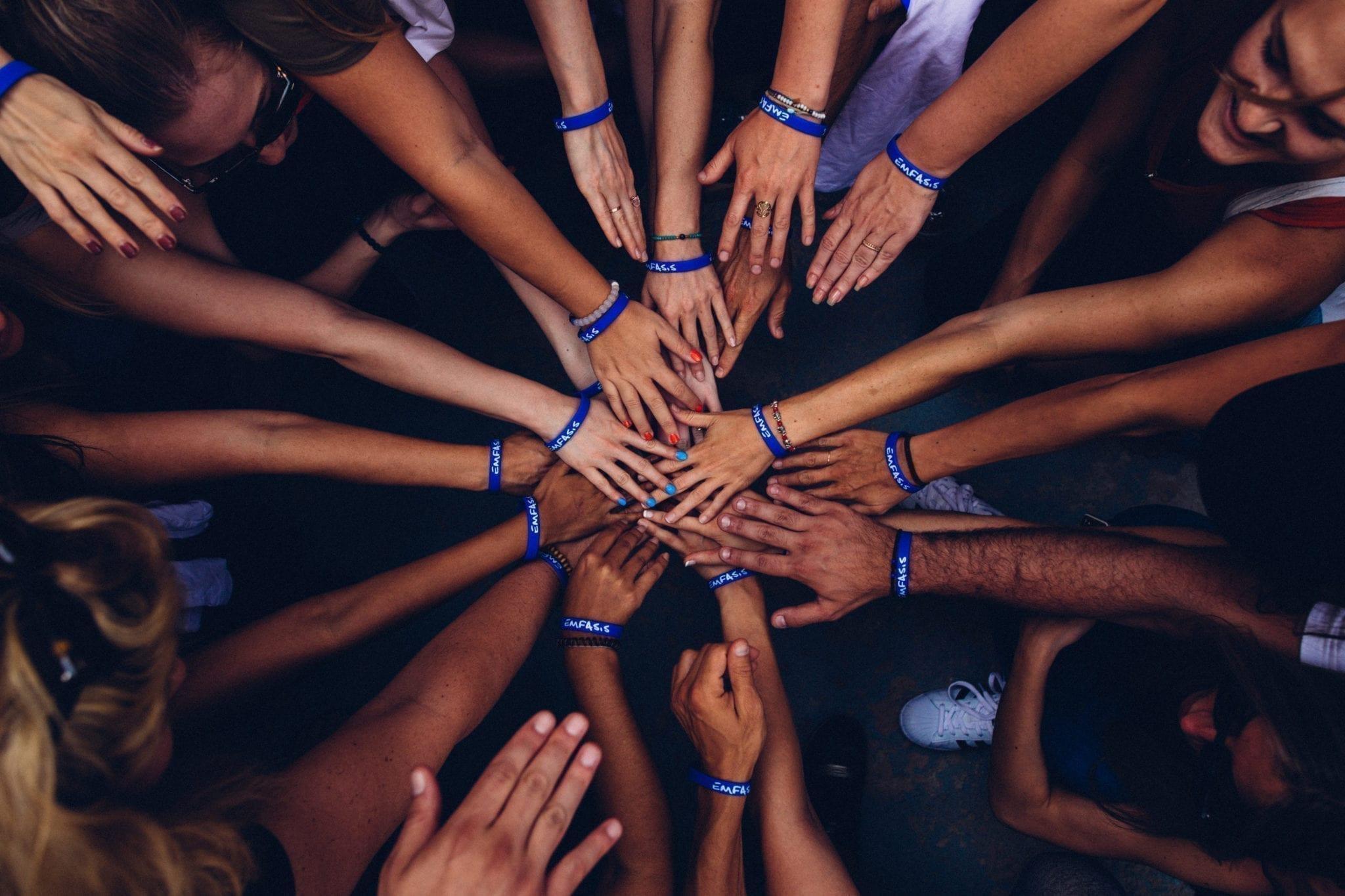 Ein solches Team ist ein notwendiger Bestandteil bei der Ausrichtung eines Wellness-Events.