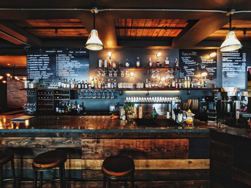 Ideen für die Neueröffnung: Ideen für die Neueröffnung einer Bar.