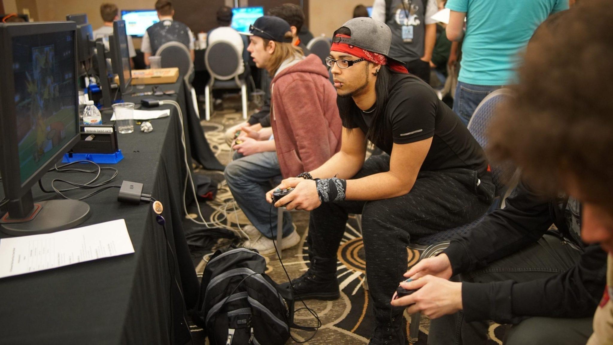 Gamer, die Spaß haben: Das Ergebnis beim Veranstalten eines Spielturniers