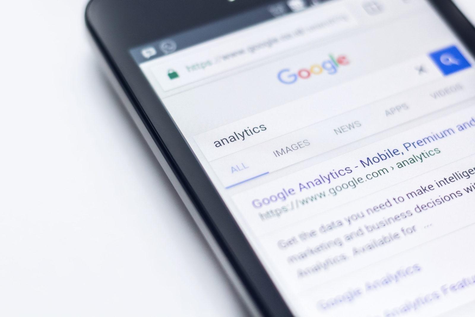 Nachforschungen zum Erstellen einer E-Mail-Liste mithilfe von Analysen