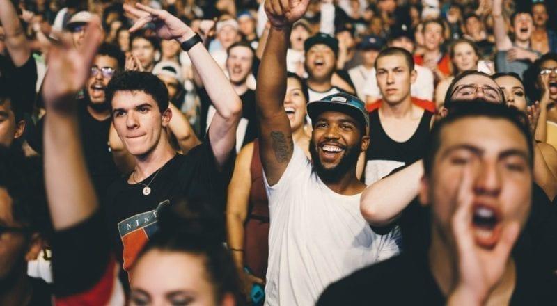 Das Handhaben von Menschenmengen an Events